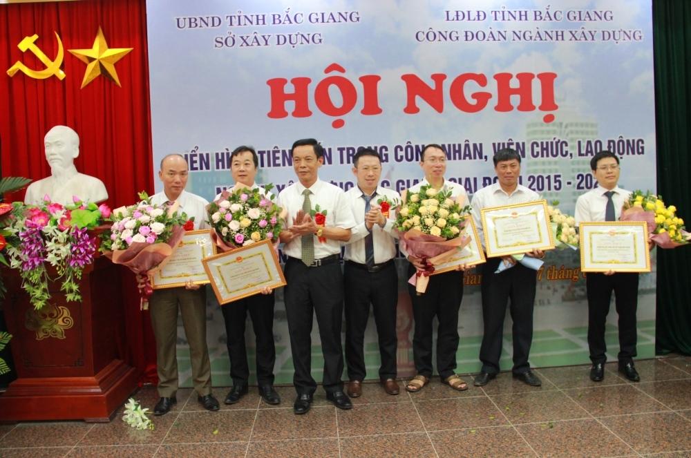 Bắc Giang: Tuyên dương 10 tập thể, 35 cá nhân tiêu biểu trong phong trào thi đua yêu nước