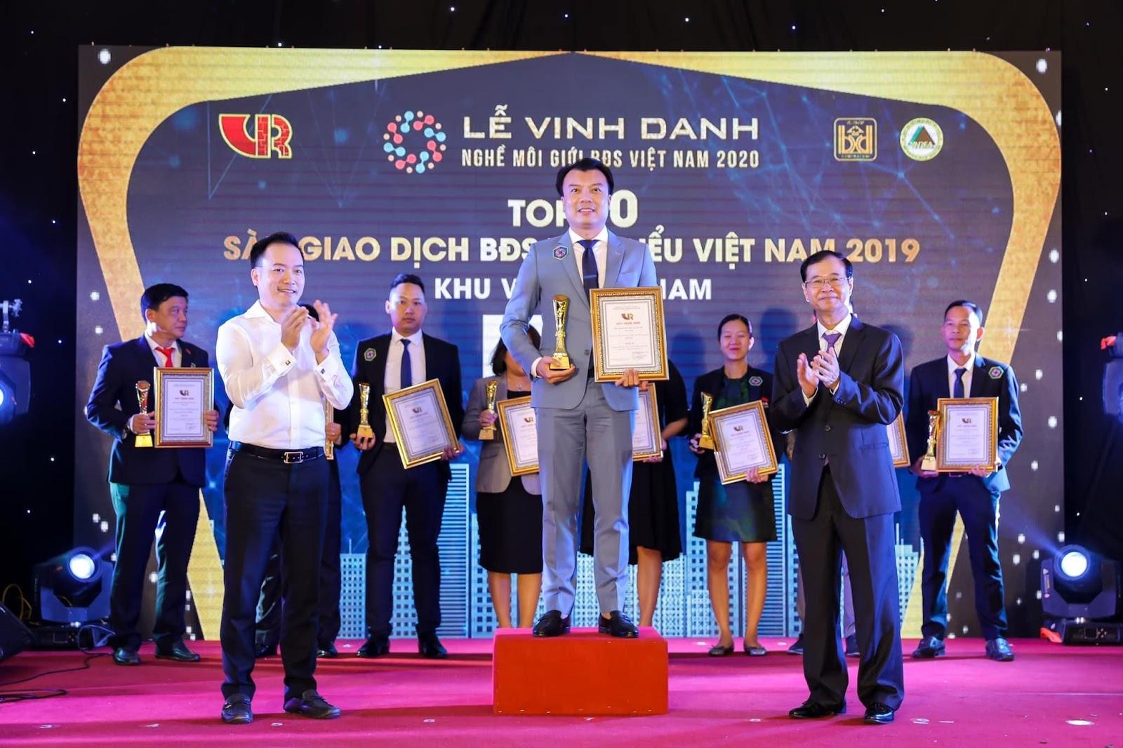 Alpha Real được vinh danh Top 10sàn giao dịch bất động sản tiêu biểu 2019