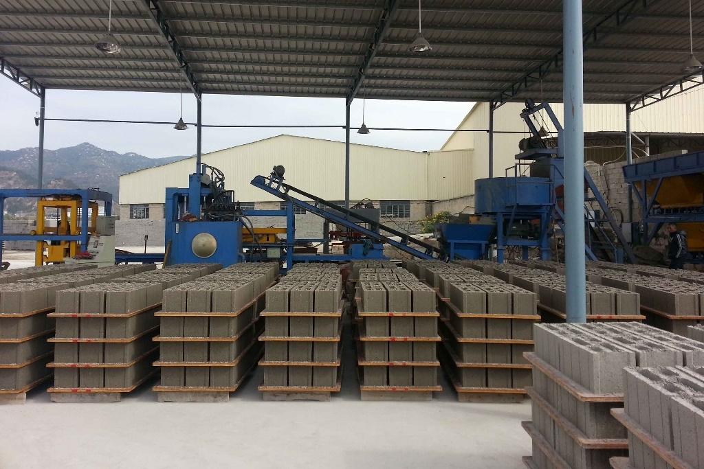 Đẩy mạnh xử lý, sử dụng tro, xỉ, thạch cao làm nguyên liệu sản xuất vật liệu xây dựng