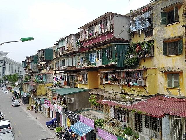 Di dời người dân khỏi những chung cư cũ, nguy hiểm tại Hà Nội
