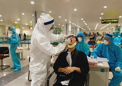 Hà Nội: Phân luồng riêng, xét nghiệm ngẫu nhiên người từ Thành phố Hồ Chí Minh về qua sân bay Nội Bài