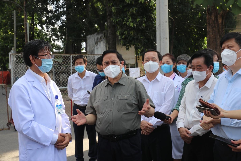 Thủ tướng Chính phủ Phạm Minh Chính kiểm tra công tác phòng, chống dịch tại Bình Dương