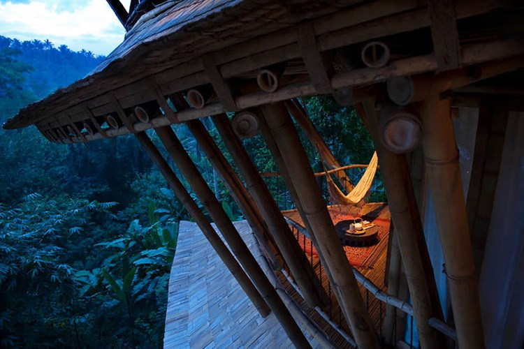 095255baoxaydung image011 Tham quan biệt thự bằng tre độc đáo có độ bền như thép