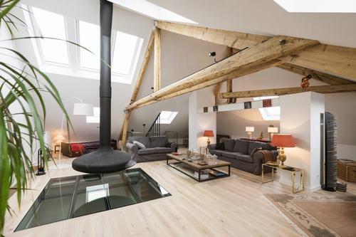 141751baoxaydung image001 Tham quan căn hộ gác mái vừa mộc mạc vừa hiện đại ở Luxembourg
