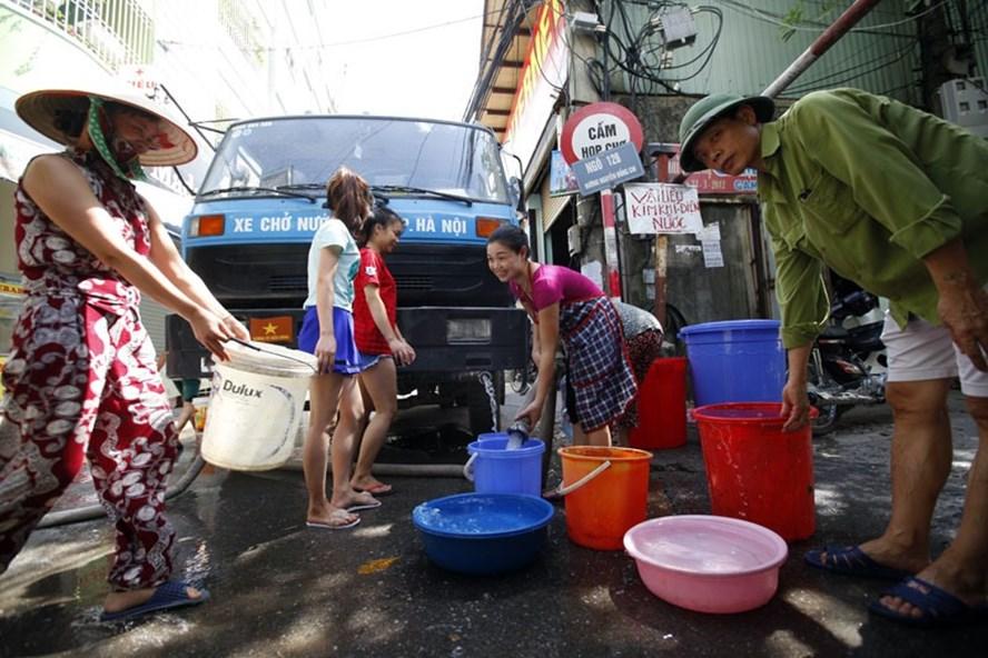 Nguy cơ Hà Nội thiếu nước: Giám đốc công ty nước nói không lo, nước đủ dùng