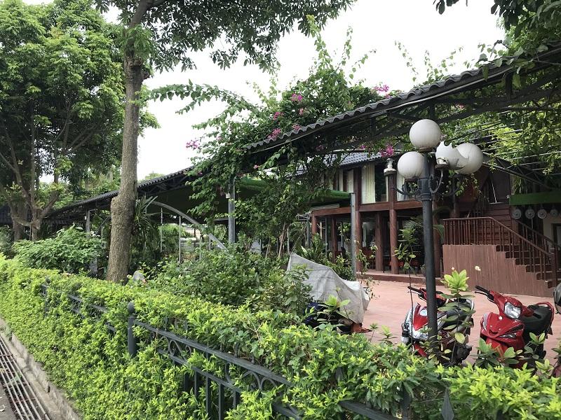 """Gia Lâm (Hà Nội): Khu sinh thái nghỉ dưỡng """"mọc"""" ngay trên hành lang thoát lũ sông Đuống"""
