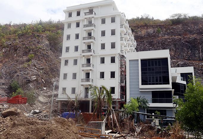 Khánh Hòa sẽ 'cắt ngọn' nhiều biệt thự xây sai phép trong khu đô thị