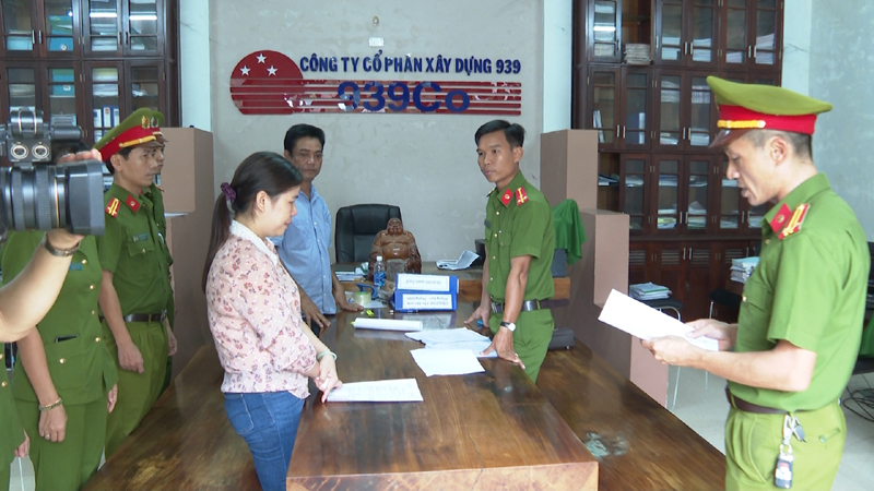 Thừa Thiên - Huế: Bắt tạm giam thêm 5 bị can trong vụ mua bán trái phép hóa đơn