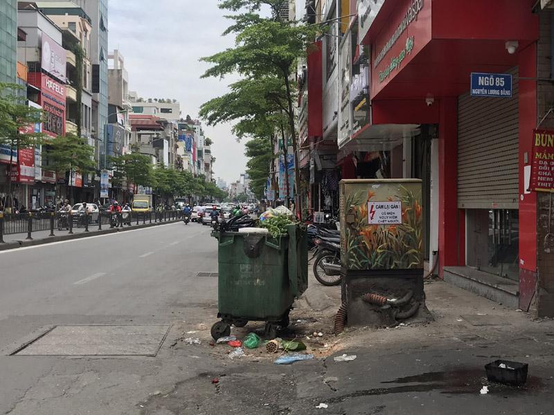 Hà Nội: Ô nhiễm môi trường, cản trở giao thông từ những chiếc xe thu gom rác