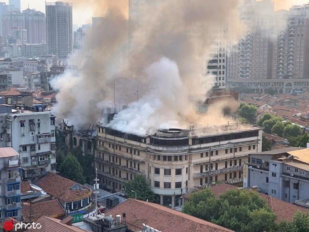 Video hiện trường vụ cháy khách sạn trăm năm tuổi ở Trung Quốc