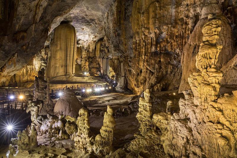 Thạch nhũ trong hang động vừa nhận kỷ lục châu Á