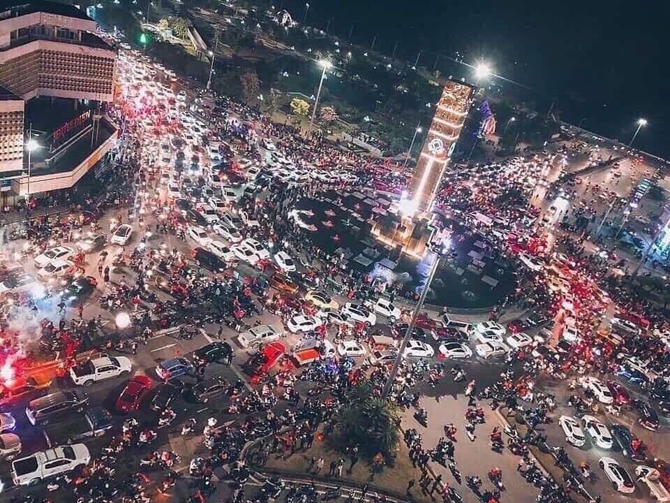 Quảng Ninh cuối tuần đón lượng khách kỷ lục