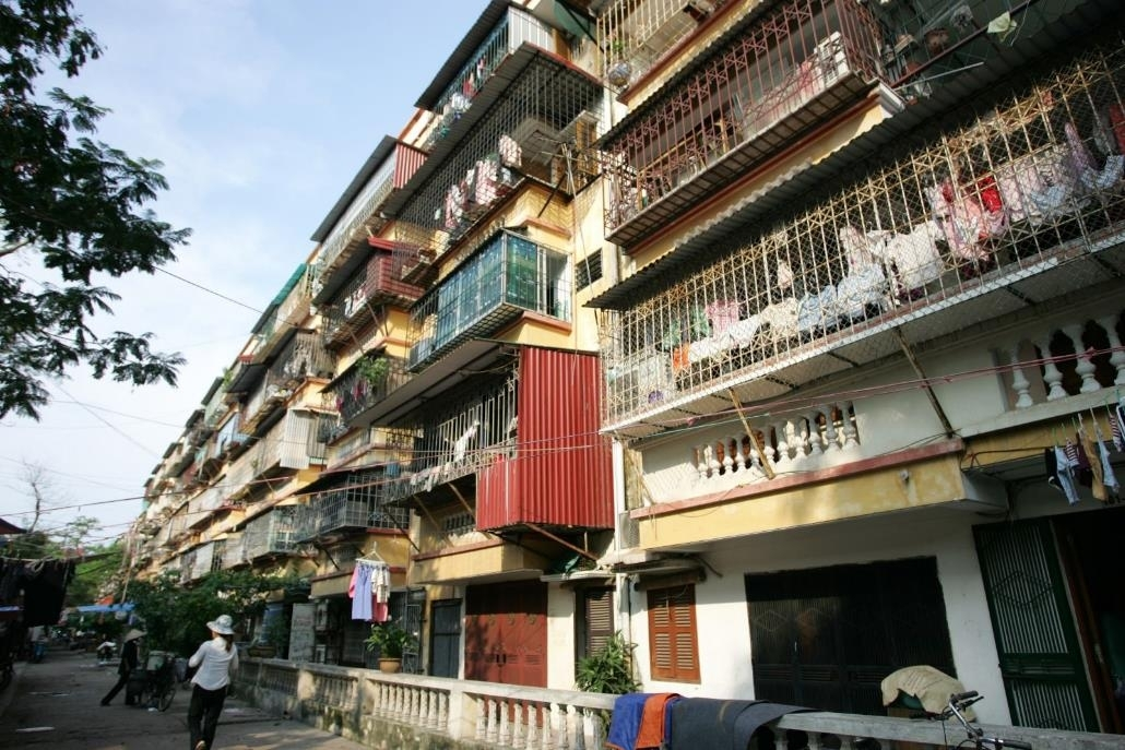 Hà Nội ủy quyền các quận, huyện ứng trước kinh phí cải tạo chung cư