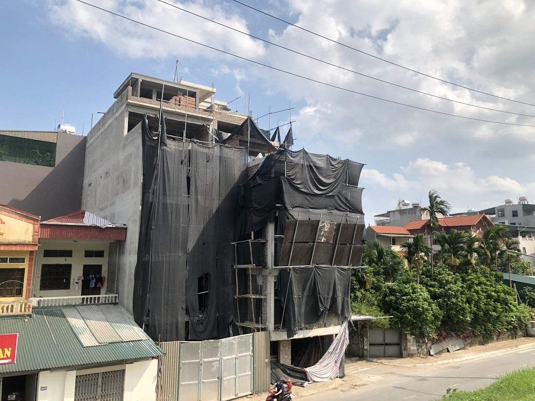 Long Biên (Hà Nội): Chủ đầu tư tại phường Ngọc Thụy đang khắc phục vi phạm?