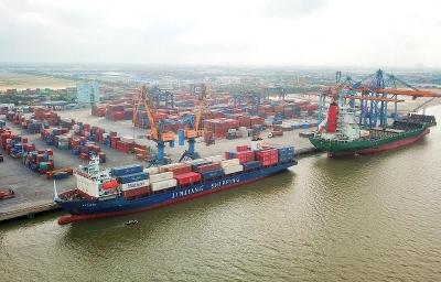 Hạ tầng cảng biển: Đi trước một bước, mở cửa giao thương