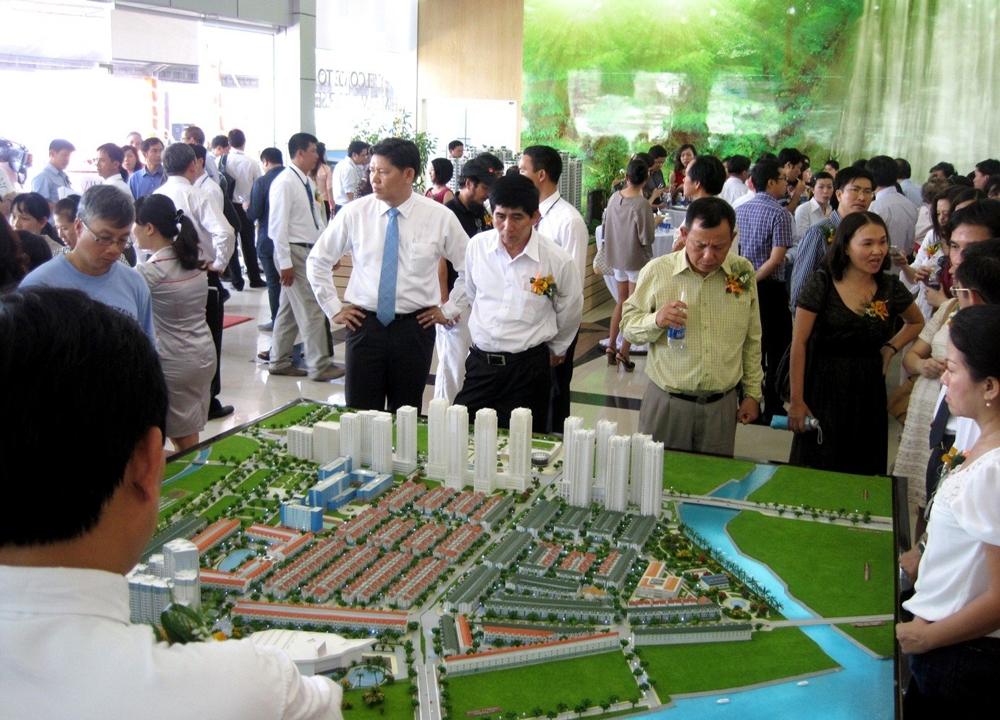 """Thành phố Hồ Chí Minh yêu cầu không để xảy ra """"sốt"""" bất động sản"""