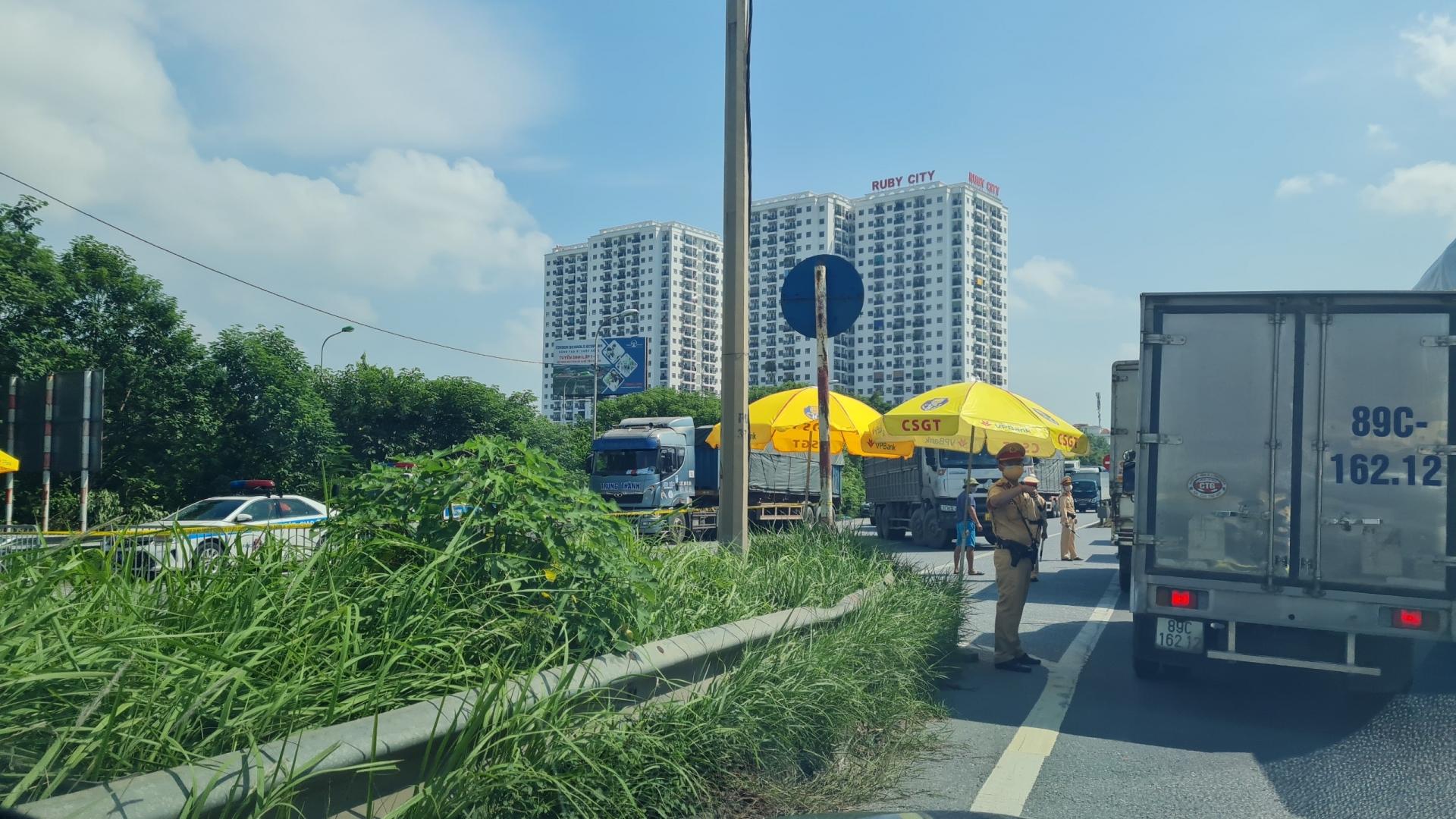 Chỉ đạo của Phó Thủ tướng Lê Văn Thành về việc vận chuyển hàng hóa thiết yếu phục vụ đời sống người dân vùng có dịch COVID-19