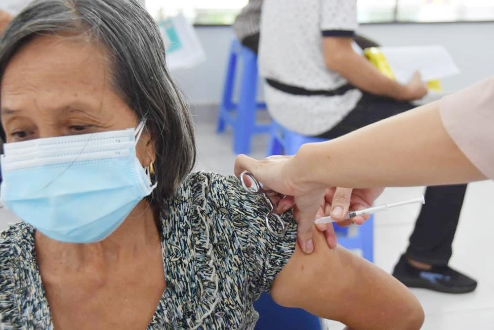 Thêm gần 660.000 liều vắc-xin Covid-19 của AstraZeneca về đến Việt Nam