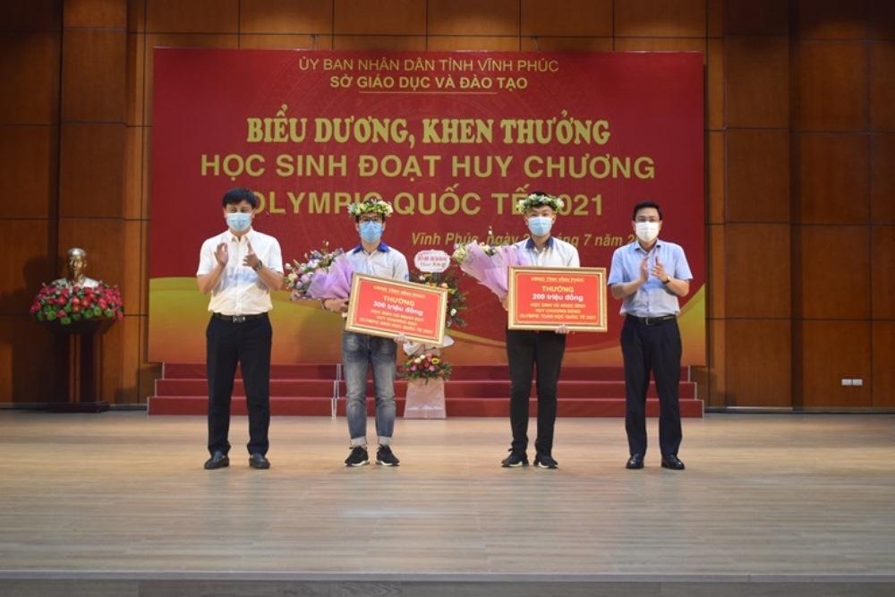 vinh phuc bieu duong hoc sinh dat huy chuong olympic quoc te nam 2021