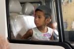 Xúc động ngày chuyển trẻ em khỏi chùa Bồ Đề