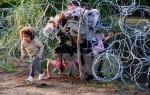Hungary dựng xong hàng rào dây kẽm gai dọc biên giới với Serbia