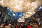 Nghệ thuật tuyệt đẹp được làm từ 100.000 quả bóng
