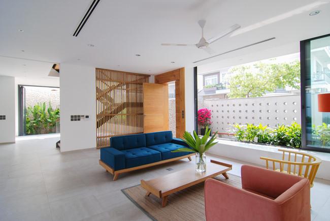 100543baoxaydung image005 - Ngôi nhà 3 tầng đẹp như khách sạn 5 sao giữa Sài Gòn