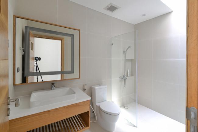 100544baoxaydung image014 - Ngôi nhà 3 tầng đẹp như khách sạn 5 sao giữa Sài Gòn