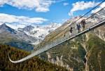 Cây cầu đi bộ dài nhất thế giới trên dãy núi Alps - Thụy Sỹ đã được mở cửa