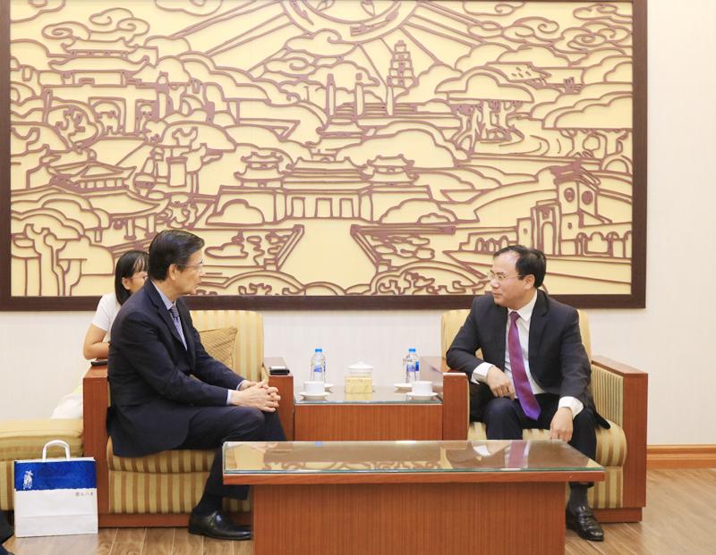 Thứ trưởng Bộ Xây dựng Nguyễn Văn Sinh tiếp xã giao Chủ tịch Hiệp hội Tài chính Tư nhân Nhật Bản