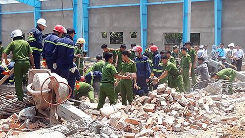 Hiện trường vụ sập tường công trình xây dựng nhà xưởng của Cty Bohsing hôm 15/3 (Ảnh: Vĩnh Nam).