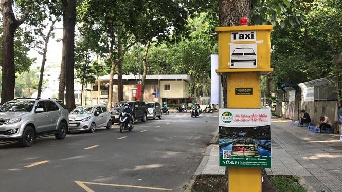 Cận cảnh những điểm đón taxi hoang phế ở Sài Gòn