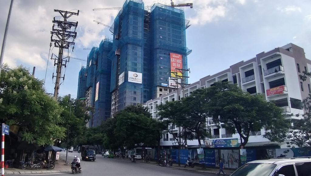 """Hà Nội: Dự án Phương Đông Green Park bị chính quyền """"tuýt còi"""" vì xây dựng sai phép"""