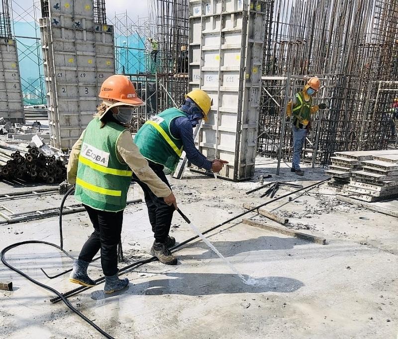 Tăng cường các biện pháp phòng, chống dịch bệnh Covid-19 trên công trường xây dựng