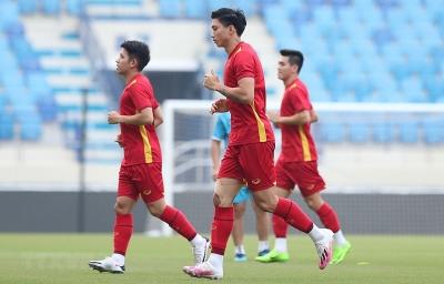 Đoàn Văn Hậu chia tay đội tuyển Việt Nam vì chấn thương gối lâu lành