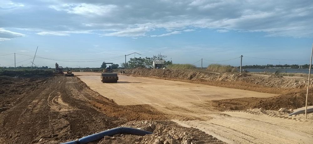 Quảng Trị: Nhà thầu bức bối vì thiếu nguồn đất làm vật liệu san lấp