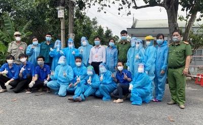 Sinh viên Trường Đại học Xây dựng Miền Tây xung phong trên tuyến đầu chống dịch Covid-19