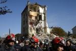 Pháp: Đã có 6 người chết trong vụ sập chung cư tại Paris