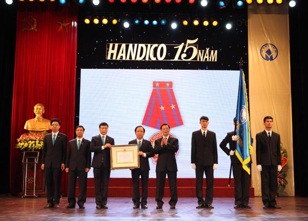 Handico kỷ niệm 15 năm ngày thành lập và đón nhận Huân chương Lao động hạng nhì