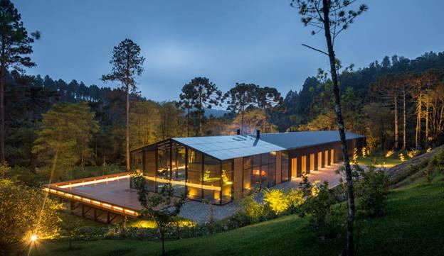 095255baoxaydung image001 Cùng nhìn qua ngôi nhà thiết kế tích hợp tối ưu với cảnh quan ở miền núi Brazil