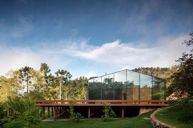 095255baoxaydung image003 Cùng nhìn qua ngôi nhà thiết kế tích hợp tối ưu với cảnh quan ở miền núi Brazil