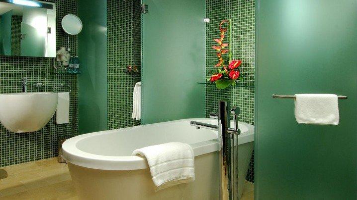 104731baoxaydung image007 Thiết kế làm mới nội thất phòng tắm bằng gam màu xanh mát