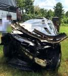 Hình ảnh chiếc Mercedes biến dạng sau cú bay lộn vòng tại trạm thu phí