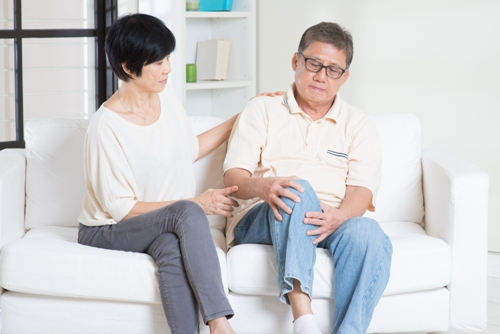 nguyên nhân dẫn đến bệnh loãng xương ở người già