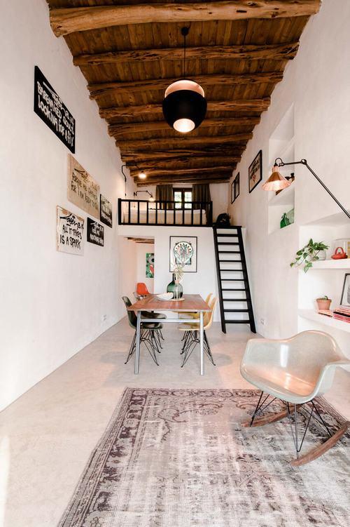194006baoxaydung image004 Thiết kế và cải tạo ngôi nhà 200 tuổi trở thành nhà khách