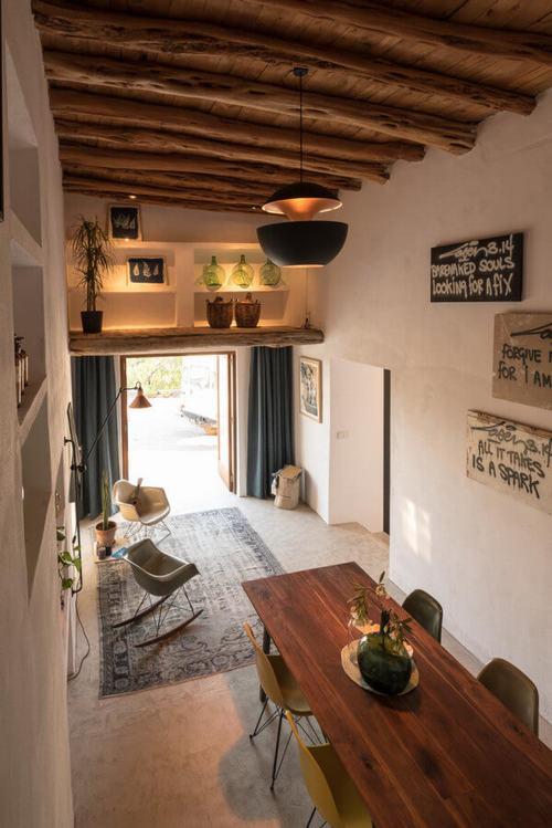 194008baoxaydung image006 Thiết kế và cải tạo ngôi nhà 200 tuổi trở thành nhà khách