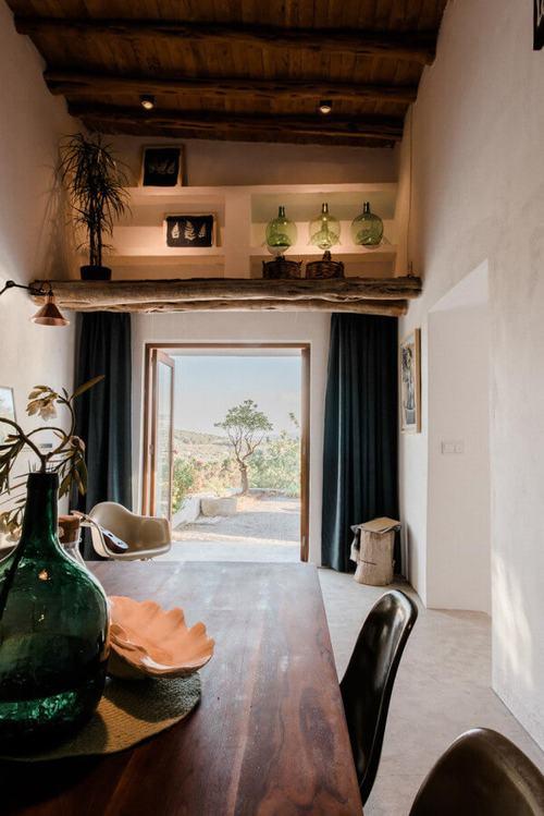 194015baoxaydung image010 Thiết kế và cải tạo ngôi nhà 200 tuổi trở thành nhà khách
