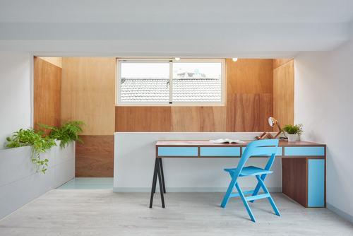 Ngôi nhà được thiết kế theo phong cách tối giản với tầng lửng