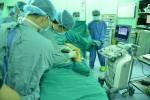 Dùng keo sinh học chữa suy giãn tĩnh mạch