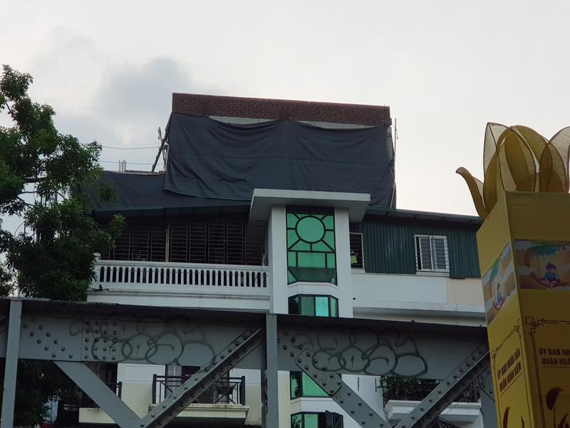 Hoàn Kiếm (Hà Nội): Xuất hiện công trình có dấu hiệu xây dựng sai phép tại phường Hàng Mã